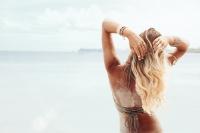 Nos 5 conseils pour prendre soin de vos cheveux durant l'été